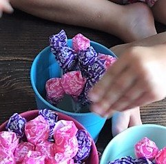 dum dums party centerpiece how to